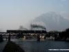La 880 051 con uno speciale in transito sul ponte dell'Adda. (Lecco, 22/02/2009; foto Walter Bonmartini / tuttoTreno)