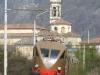 La ALE 883 007 nei pressi di Cisano durante il trasferimento da Lecco a Bergamo in occasione di un convegno sui trasporti in Lombardia. (31/03/2011; foto Walter Bonmartini / TuttoTreno)