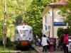 Dopo aver scaricato una comitiva di scolari, l'ETR 232 riparte da San Mommè effettuando Regionale 6374 Pistoia-Porretta Terme. (20/05/2010; Francesco Storai / tuttoTreno)