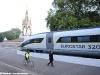 Il mock-up del Velaro e320, che Siemens realizzerà per Eurostar Ltd, esposto all'Albert Memorial di Hyde Park. (Londra, 07/10/2010; foto © DNA / Pininfarina / tuttoTreno)