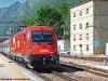 La E 190 011 delle ÖBB in partenza da Trento alla testa dell'EC 87 Monaco-Verona nel primo giorno di esercizio commerciale sulla tratta italiana. (22/05/2010; © Luca Rambaldi / tuttoTreno)