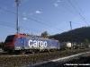 La E 474 013SR di SBB Cargo Italia con un convoglio da Gallarate alla Svizzera via Luino. (Laveno, 09/11/2006; foto Walter Bonmartini / tuttoTreno)