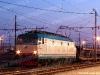 La E 652 014 alla testa di un treno di bisarche vuote a Verona Porta Nuova. (20/04/2010; Fabio Miotto / tuttoTreno)