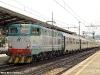 Il secondo treno Parigi–Roma, trainato dalla E 656 005 e composto da carrozze SNCF e SNCB, in sosta a Firenze Campo Marte. (30/04/2011; © Michele Sacco / tuttoTreno)