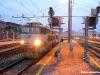 Il treno di pellegrini Parigi–Roma, con carrozze SNCF e traino della E 656 030, in partenza da Torino Porta Nuova. (30/04/2011; © Angelo Nascimbene / tuttoTreno)