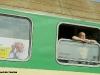 Finestrini di una delle carrozze del primo treno entrato in Italia dalla Polonia, in transito nella fermata di Vigodarzere. (30/04/2011; © Marco Bruzzo / tuttoTreno)