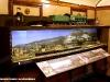 """Il diorama della SNCF esposto alla Mostra """"Signori, in carrozza! L'età d'oro del turismo ferroviario attraverso affiches, diorami e modelli"""", allestita a bordo delle due vetture """"centoporte"""" Bz 36111 (1931) e 36484 (1933) al Museo Ferroviario di Lecce. (13/09/2011; foto Francesco Comaianni / tuttoTreno)"""