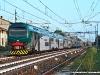 Il TSR R3 009 con la nuova livrea Trenord mentre effettua il Regionale 23280 Lodi–Saronno. (Melegnano, 08/07/2011; foto Alessandro Destasi / tuttoTreno)