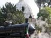 La 685 089 con il Caritas Express in uscita dalla stazione della Città del Vaticano per Orte con la cupola di San Pietro come quinta. (Roma, 21/05/2011; Francesco Ragni / tuttoTreno)