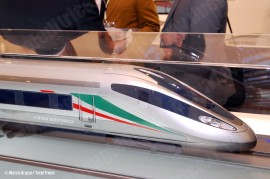 La maquette del treno AV Zefiro 300 che verrà realizzato dal consorzio d'imprese AnsaldoBreda e Bombardier per Trenitalia. (Berlino, 21/09/2010; Marco Bruzzo / TuttoTreno)