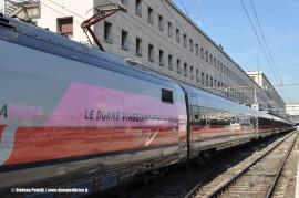 """L'ETR 500 34 """"Frecciarosa"""" in arrivo a Roma Termini dove è stato presentato stamane nell'ambito delle iniziative per il mese della salute della donna. (30/09/2010; foto Stefano Patelli/ tuttoTreno)"""
