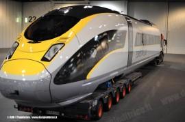 Il trasferimento del mock-up del Velaro e320 che Siemens realizzerˆ per Eurostar Ltd. (Londra, 07/10/2010; foto © DNA / Pininfarina / tuttoTreno)