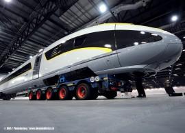 Il trasferimento del mock-up del Velaro e320 che Siemens realizzerà per Eurostar Ltd. (Londra, 07/10/2010; foto © DNA / Pininfarina / tuttoTreno)