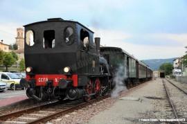 La T3 n° 7 FER con il treno storico gestito dal SAFRE. (Ciano d'Enza, 05/09/2010; © Franco Finatti / tuttoTreno)