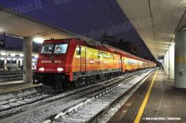 La E 483 019 con il treno Arena Ways durante le corse per il personale, in sosta a Torino Lingotto. (10/11/2010; foto Arena Ways / tuttoTreno)