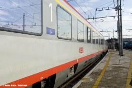Il treno EC86 Venezia SL-Monaco di Baviera in manovra bnella stazione di Venezia Santa Lucia. (12/12/2010; © Marco Bruzzo / tuttoTreno)
