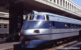 L'ETR 401 in attesa di partire da Roma Termini per Ancona. (Luglio 1980; Antonio Bertagnin / tuttoTreno)