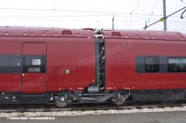 Carrello unico tra due casse del primo ETR 575 di serie. (Bologna Ravone, 24/12/2010; foto Stefano Patelli/ tuttoTreno)