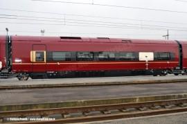 La cassa con filetto d'oro e tricolore in composizione al primo ETR 575 di serie. (Bologna Ravone, 24/12/2010; foto Stefano Patelli/ tuttoTreno)
