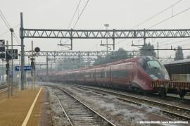 Il trasferimento del primo ETR 575 di serie da Bologna a Savigliano. (Trofarello, 28/12/2010; foto Massimo Rinaldi / tuttoTreno)