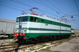 La E 646 028 dopo il restauro da parte dei volontari dell'associazione pugliese. (foto ATSP / tuttoTreno)