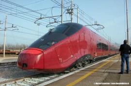 L'AGV ETR 575 001 di NTV dopo l'arrivo a Cancello durante il trasferimento da Bologna a Caserta. (15/03/2011; Marco Camerino / tuttoTreno)