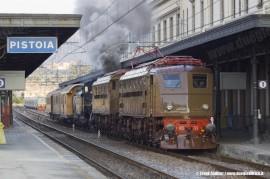 Il trasferimento delle locomotive E 428 226, E 428 014 e 685 089 da Pistoia a Roma Smistamento per l'effettuazione del Vatican Express Città del Vaticano–Orvieto sabato prossimo. (Pistoia, 19/05/2011; foto Frank Andiver / tuttoTreno)