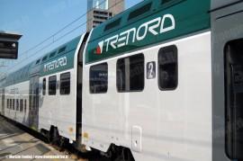 Il TAF 07, primo convoglio ad aver ricevuto la nuova livrea dell'impresa lombarda. (Milano, 05/05/2011; foto Maurizio Fantini / tuttoTreno)
