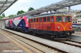 La DE 424 02 e le E 190 302 e 301 della FUC posizionate per l'esposizione a Cividale. (23/06/2011; foto Enrico Ceron / tuttoTreno)