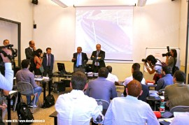 Un momento della visita del Presidente della Provincia di Roma Nicola Zingaretti alla scuola di ospitalità per la formazione del Personale Viaggiante di Nuovo Trasporto Viaggiatori, alla presenza dell'AD Giuseppe Sciarrone. (Roma, 14/06/2011; fonte NTV / tuttoTreno)